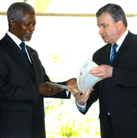 Andrey Denisov, Russian Permanent Representative to the UN and Kofi Annan, UN Secretary-General