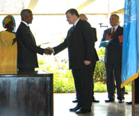 Ceremony with Andrey Denisov, Russian Permanent Representative to the UN and Kofi Annan, UN Secretary-General (200)